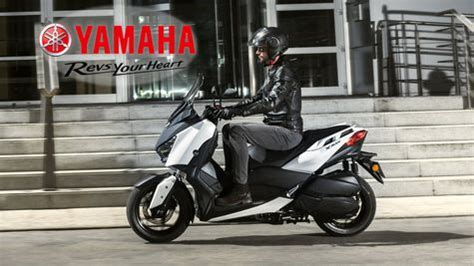 harga yamaha xmax  review spesifikasi  kredit