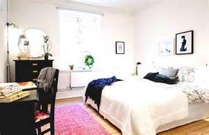 Bedroom Decorating Ideas College Apartments Lovely College Apartment Bedrooms For Goodhomez