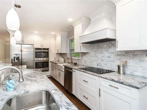 kitchen backsplash with white cabinets 45 luxurious kitchens with white cabinets guide
