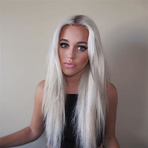 Lottie Tomlinson Hair | lottie tomlinson dyes her hair cotton candy pink twist