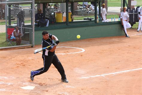 the perfect slow pitch softball swing slowpitch softball swing 28 images softball softball