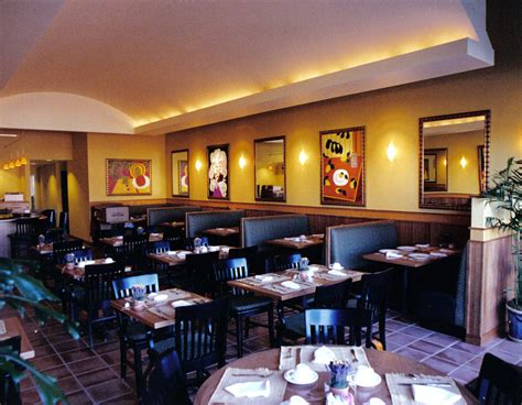 casual restaurant layout and restaurant on