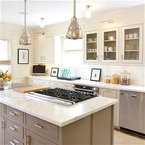 alabaster white kitchen cabinets eat in kitchen ideas transitional kitchen sherwin