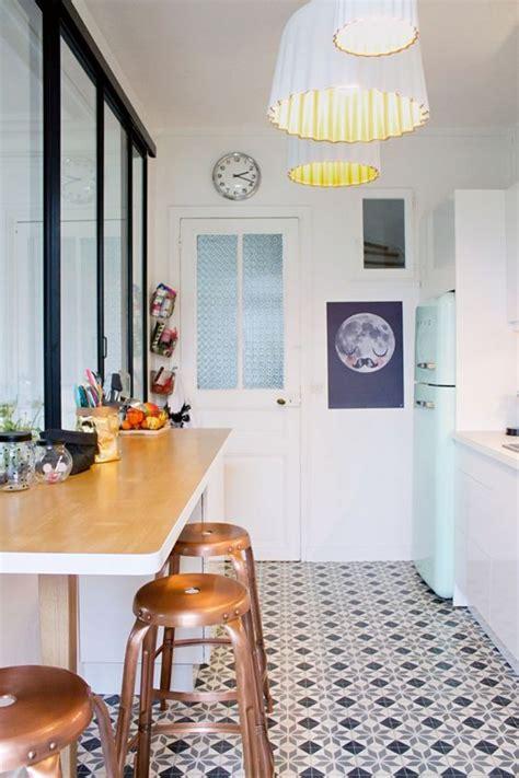fa軋des meubles cuisine ambiance vintage faites revivre les 233 es 50 dans votre