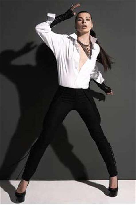 swinging ponytail swinging ponytail hairdos milla jovovich gotham magazine