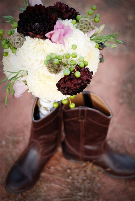 wedding flowers country style ideas for the bridals pictures fall bridal bouquet