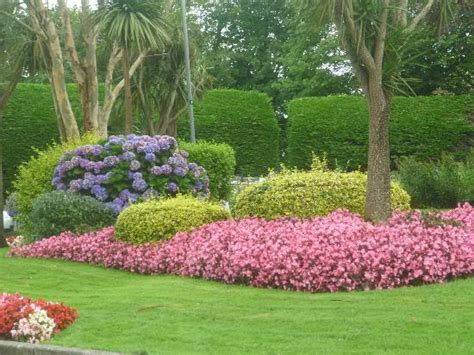 pretty gardens picture of hendra holiday park newquay