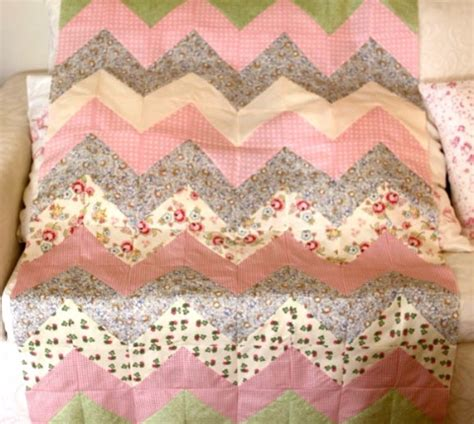 chevron zig zag quilt pattern use the chevron zig zag for your next baby girl quilt