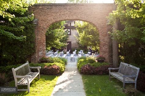 winnetka community house winnetka community house outdoor wedding megan randy are married chicago