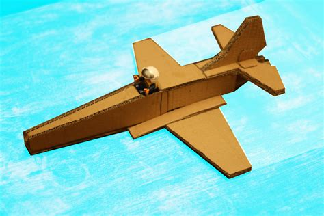How To Make A Model Airplane Out Of Paper - cardboard modelling