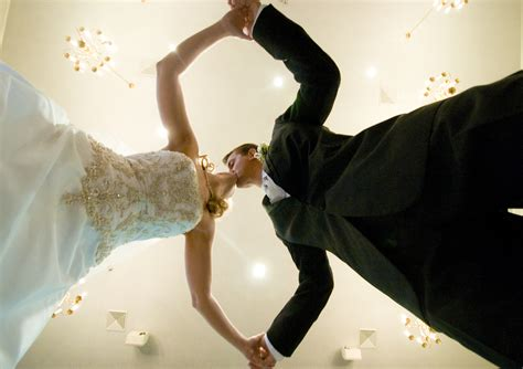 Bride Giveaways - win 11 000 dream wedding package wedding day giveaways