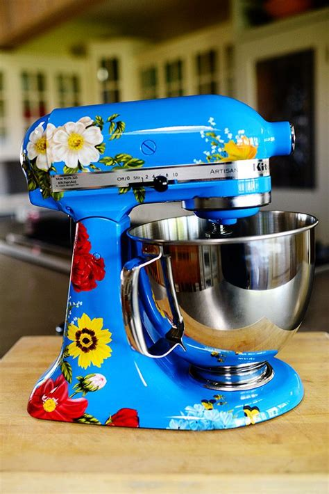 custom hand painted kitchen aid mixer  amore  nicole