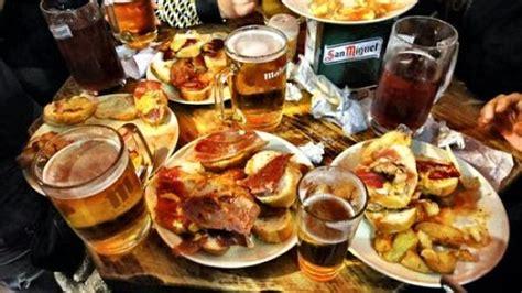 chueca canarias sala tapear en madrid beber barato para comer gratis buena vibra