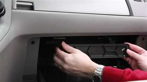 Cabin Filter Honda Crv by How To Change Cabin Air Filter On A 2010 Honda Crv