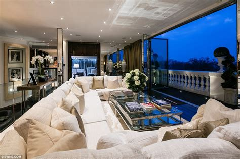 best penthouses penthouse once home to rihanna and tom cruise for