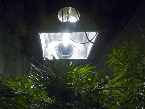 light reflectors for dark rooms marijuana grow room hydroponics reflectors hoods guide