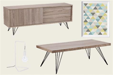 table tele en bois meuble t 233 l 233 table basse en bois style scandinave nordique affiche triangle bleu jaune gris le
