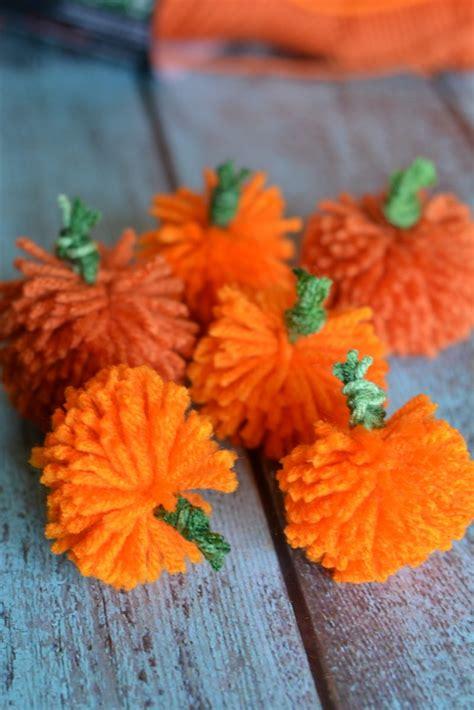 Decorating With Yarn by Easy Diy Yarn Pumpkins No Sew Pumpkin Garland Not