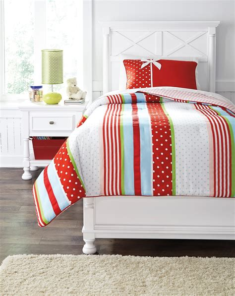 twin red comforter kielle red twin comforter asl q444001t ashley furniture