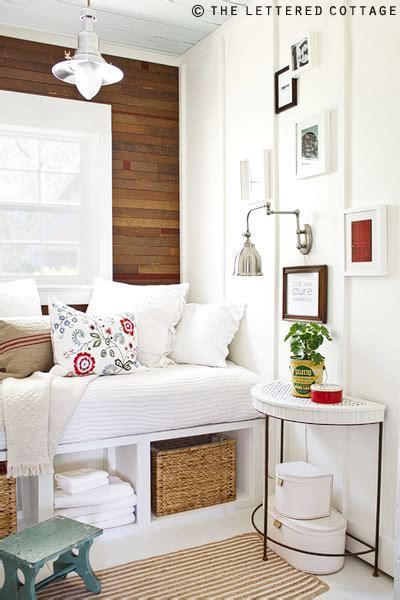 very small house decorating ideas jak urządzić kuchnię gdziejedna ze ścian pokryta jest