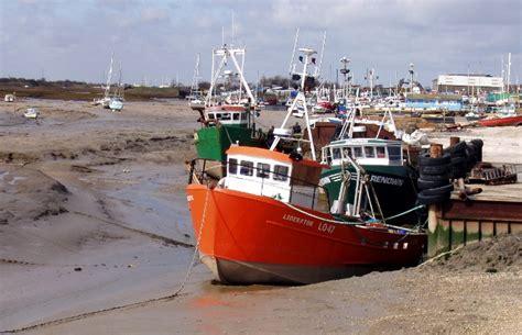 boat shop essex gardeners leigh on sea essex tree surgeon leigh on sea
