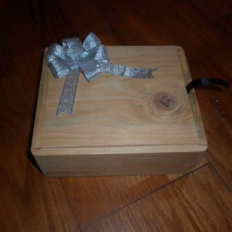 kotak kado kotak ini dibuat khusus untuk seorang teman giovanimorischa yang kala itu ingin