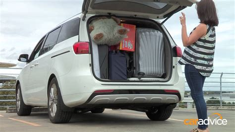 hyundai imax luggage space 2015 kia carnival mums vs dads challenge boot tetris