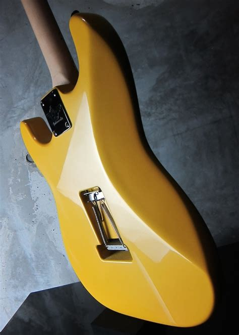 rs guitarworks  friend contour hot rod pearl yellow wakuya