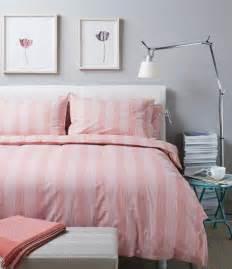 parure de lit et gris 1001 conseils et id 233 es pour une chambre en et gris