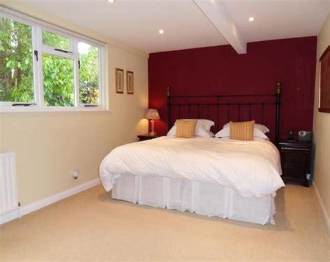 maroon bedroom ideas maroon bedroom design ideas photos inspiration
