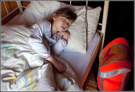 nicht im eigenen bett will nicht im eigenen bett schlafen was tun