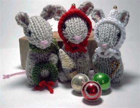 knitting pattern christmas mouse 16 best images about knitted christmas ornaments on