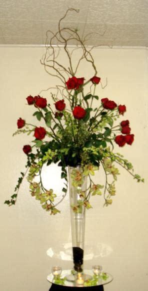 Flowers On A Vase Roses In Trumpet Vase Centerpiece