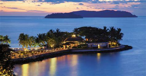 beach resorts  malaysia  travel triangle