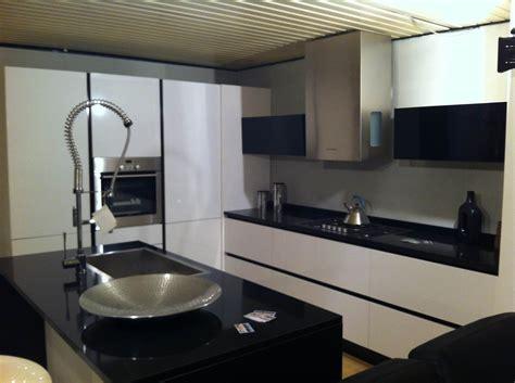 cucine lucide cucine nere lucide amazing cucina nera elegante with