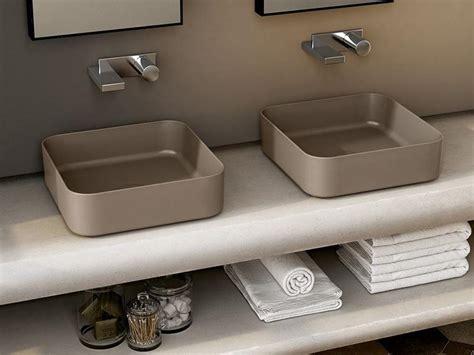 arredo bagno colorato lavabi colorati da piano ultrasottili ceramica cielo