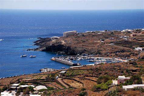 di pantelleria noleggio barche scauri isola di pantelleria navalia