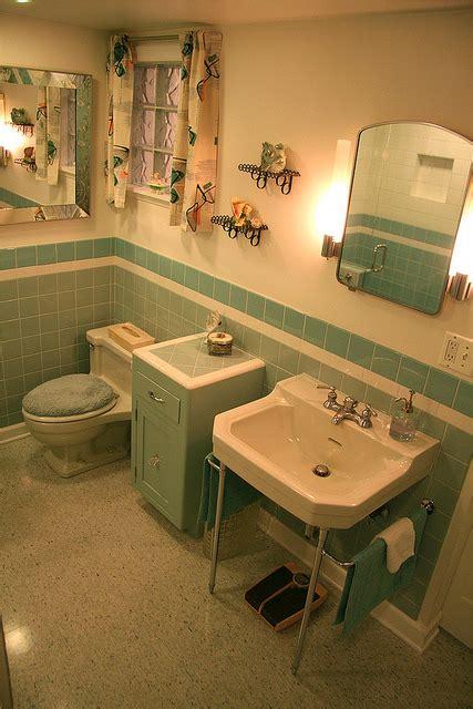 nanettes  vintage bathroom hannahs treasures