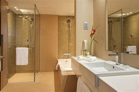 bathrooms dubai cosmopolitan hotel 2017 room prices deals reviews expedia