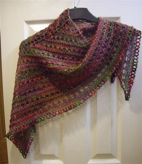 pattern for triangle shawl ravelry splendid triangle shawl with crochet border