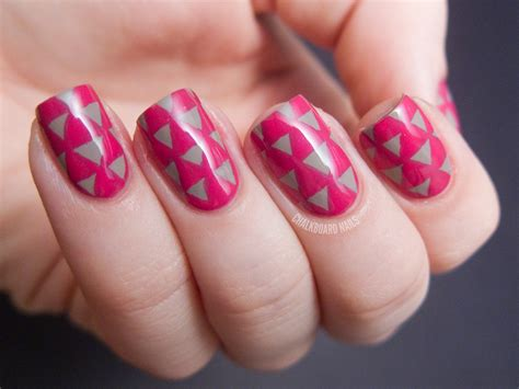 Pattern Acrylic Nails | triangle pattern nails chalkboard nails nail art blog