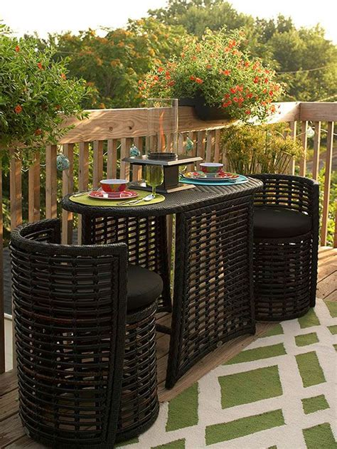 12 ways to a small deck