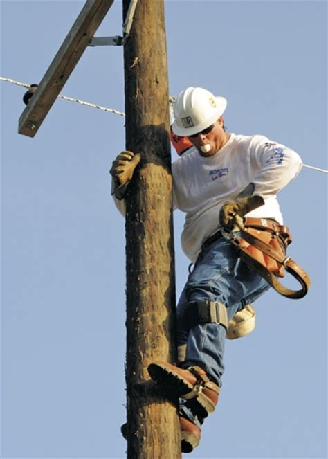 electrical lineman www imgkid com the image kid has it