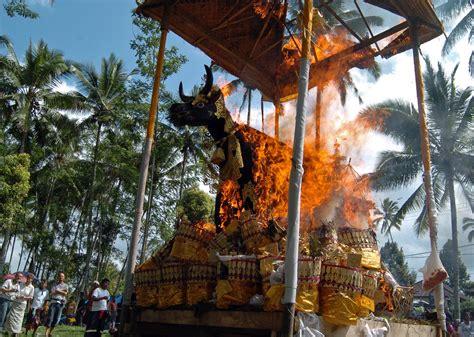 di bali wow upacara ngaben agama hindu di bali indonesia travel