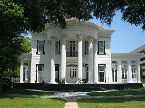 25 best ideas about antebellum homes on