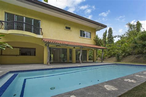 houses for rent with pool house with swimming pool for rent in north town cebu grand realty