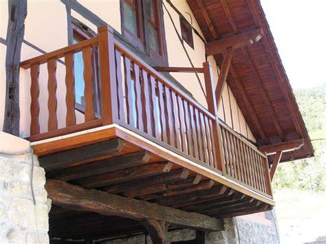 barandilla de madera exterior carpinteria mallukiza