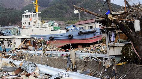 earthquake tsunami japan tsunami images reverse search