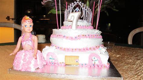 Los 7th birthday cake she had a princess themed party