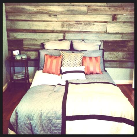 Barn Wood Headboard 1000 Images About Home Decor On Pinterest Vintage Sink Barn Wood Headboard And Wooden Headboards